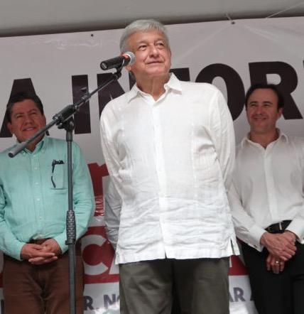 """AMLO: Ni """"Lula"""" ni Chávez; un mexicano forjado en la lucha"""